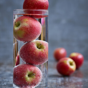 Shortlisted Apple Simon Smith Apples in Glass Vase Lo Res